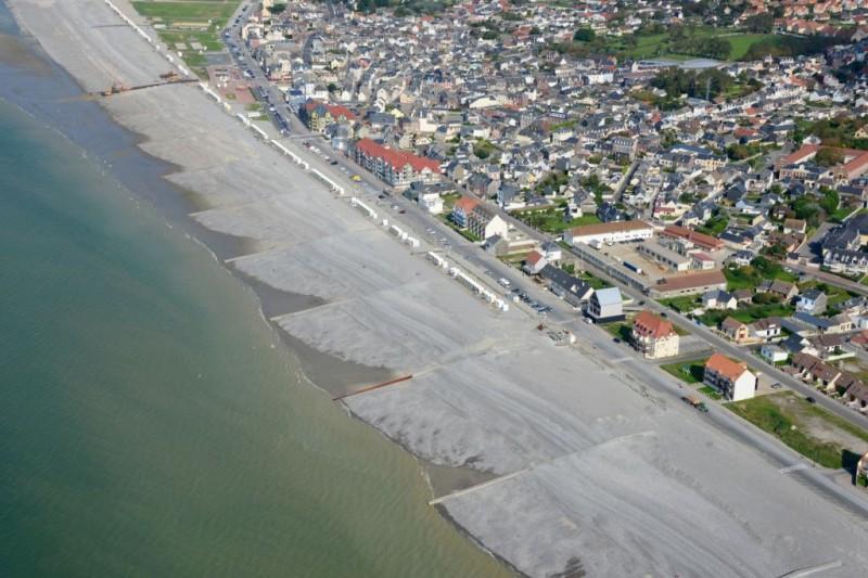 Construction de 24 épis devant la zone urbaine de Cayeux-sur-mer