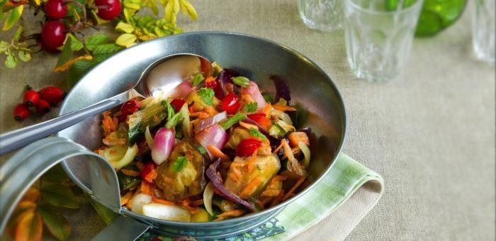 Poelée de légumes aux baies de rose